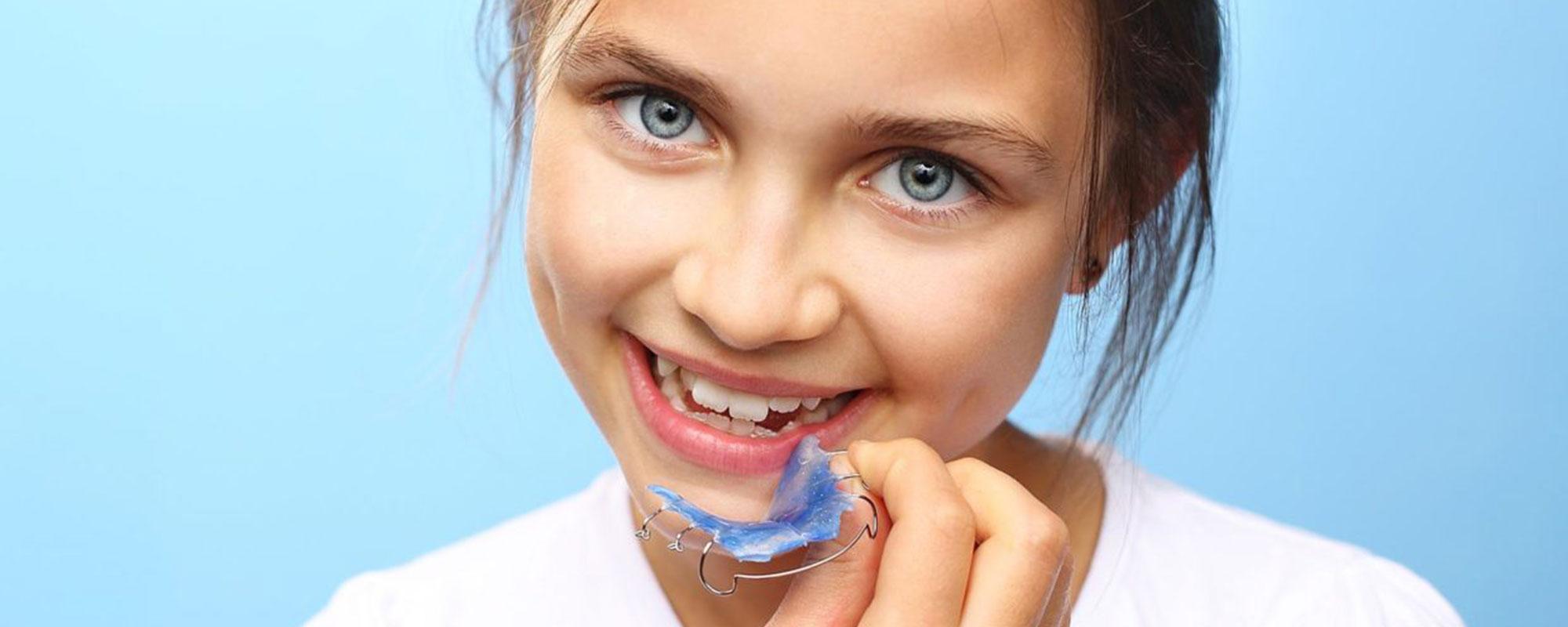 """Съемные пластинки для выравнивания зубов, ортодонтические пластинки для детей в клинике """"Стар"""""""